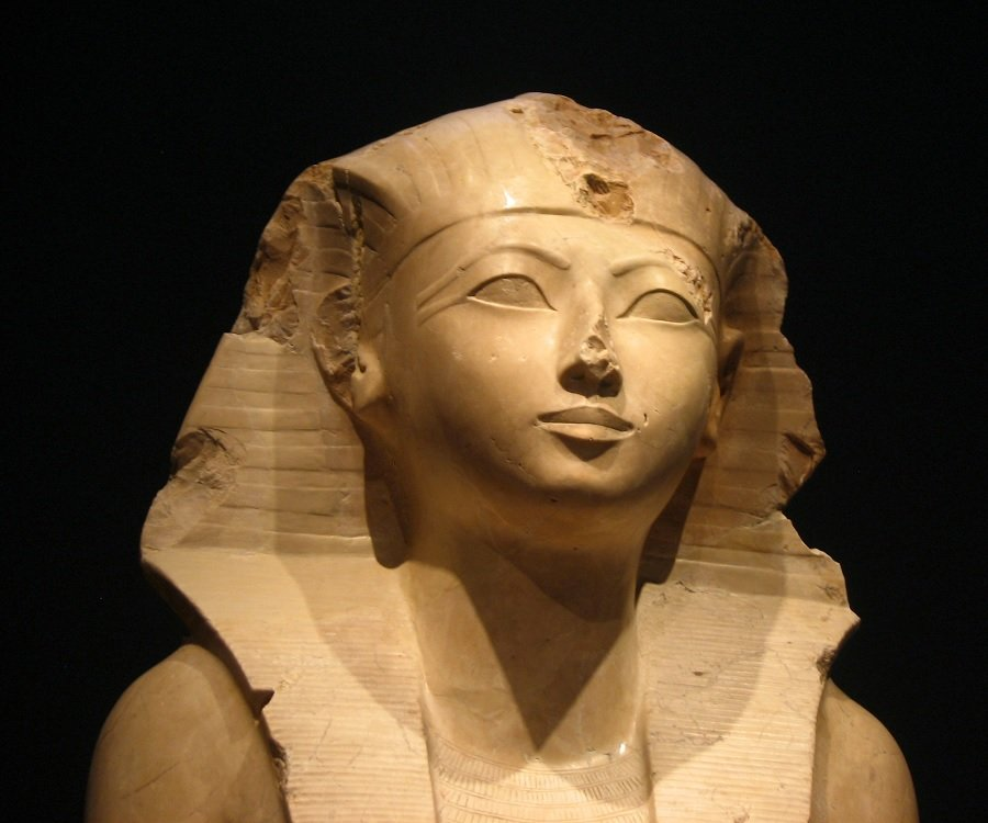 When was hatshepsut born